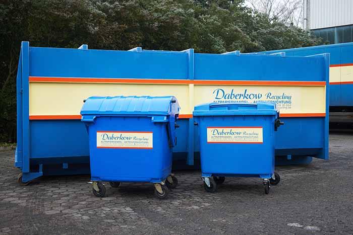 Daberkow-Recycling-Entsorgungsfachbetrieb-Hamburg-1100l-Umleerbehaelter